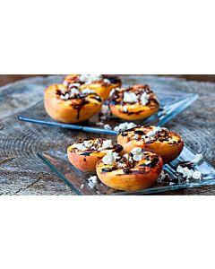 Resepti-Grillatut persikat juustolla ja balsamicolla