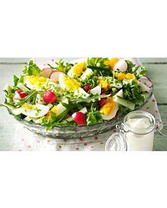 Resepti-Kesäinen muna-kurkkusalaatti