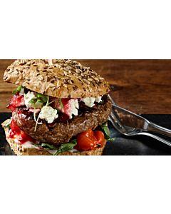 Resepti-Kreikkalainen burger jogurttikastikkeella