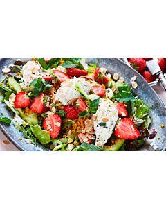 Resepti-Bulgursalaatti mansikoiden kera
